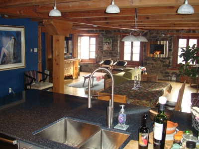 Montreal vacation rental condo maison berthelet quebec 1 for Cabin rentals in montreal canada